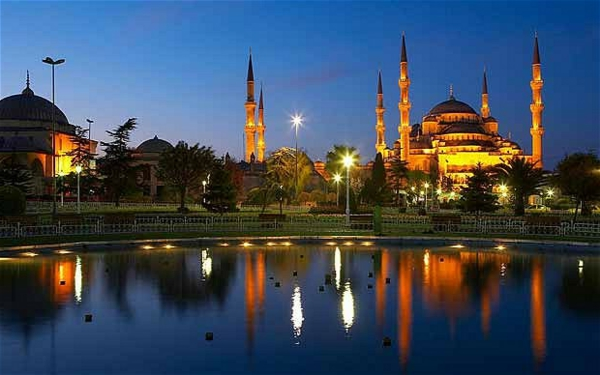 reisen-in-die-türkei-schönes-reines-wasser-großartige-stadt