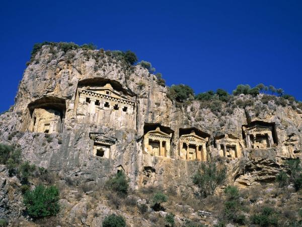 reisen-in-die-türkei-wunderschöne-felsen-reine-natur-tolles-aussehen
