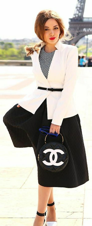 runde-Chanel-Tasche-schwarz-weißer-Look