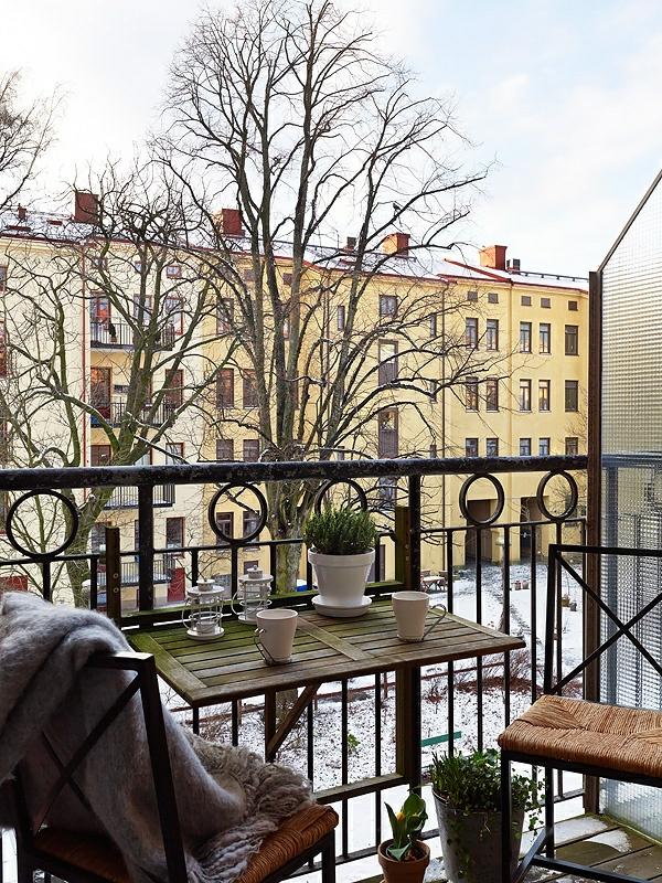 klapptisch f r balkon eine fantastische idee. Black Bedroom Furniture Sets. Home Design Ideas