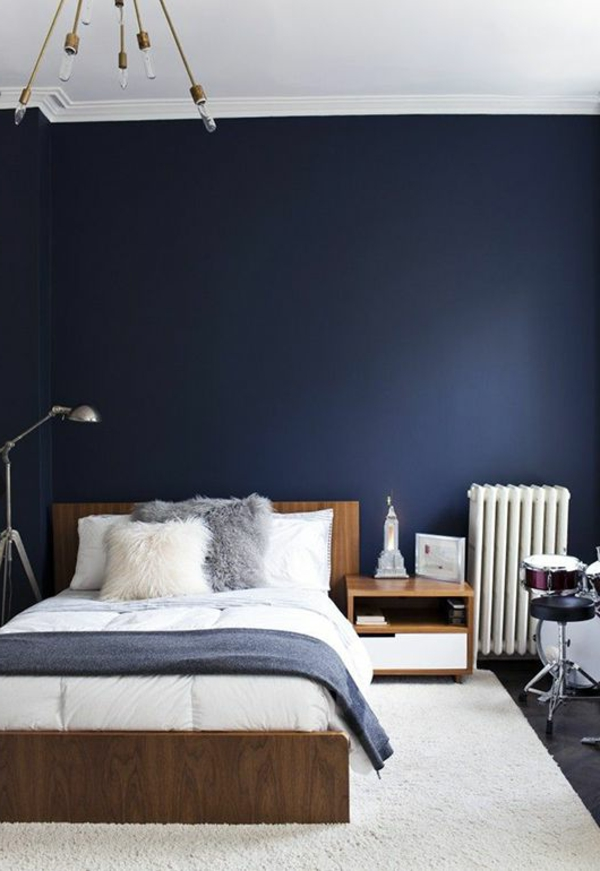 blaue wand im schlafzimmer m belideen. Black Bedroom Furniture Sets. Home Design Ideas