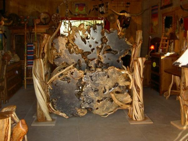 schlafzimmer-aus-massivholz-extravagantes-bett-modell