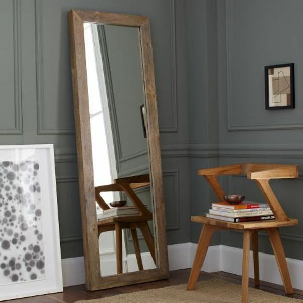 schlafzimmer-aus-massivholz-großer-spiegel