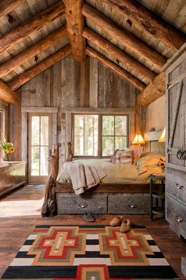 schlafzimmer-aus-massivholz-schöne-hohe-zimmerdecke