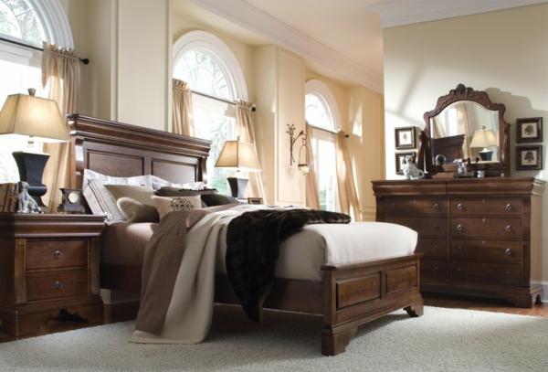 schlafzimmer-aus-massivholz-schönes-gemütliches-interieur
