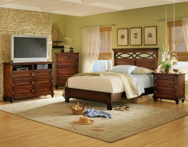 schlafzimmer-aus-massivholz-traditionelles-modell-vom-bett