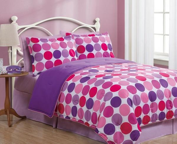 schlafzimmer-einrichten-schöne-bettwäsche-rosa-schlafzimmer-ideen--