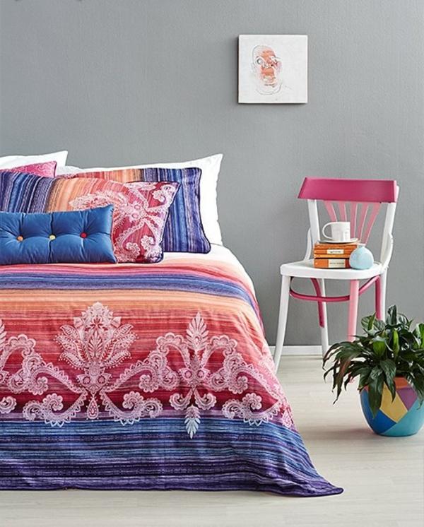 schlafzimmer-einrichten-schöne-bettwäsche-rosa-schlafzimmer-ideen-bettwäsche--