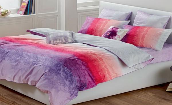 schlafzimmer-einrichten-schöne-bettwäsche-rosa-schlafzimmer-ideen-bettwäsche-lila-rosa