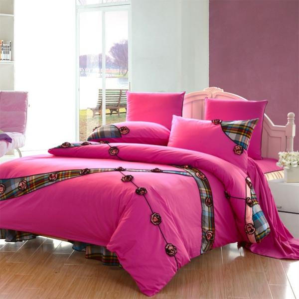 schlafzimmer-einrichten-schöne-bettwäsche-rosa-schlafzimmer-ideen-bettwäsche Bettwäsche in Rosa