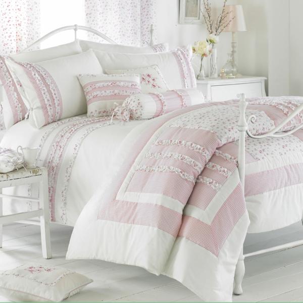 --schlafzimmer-einrichten-schöne-bettwäsche-rosa-schlafzimmer-ideen-elegante-bettwäsche--