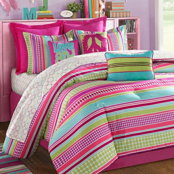 schlafzimmer-inspiration- schlafzimmer-gestalten-schöne-bettwäsche-rosa-grün