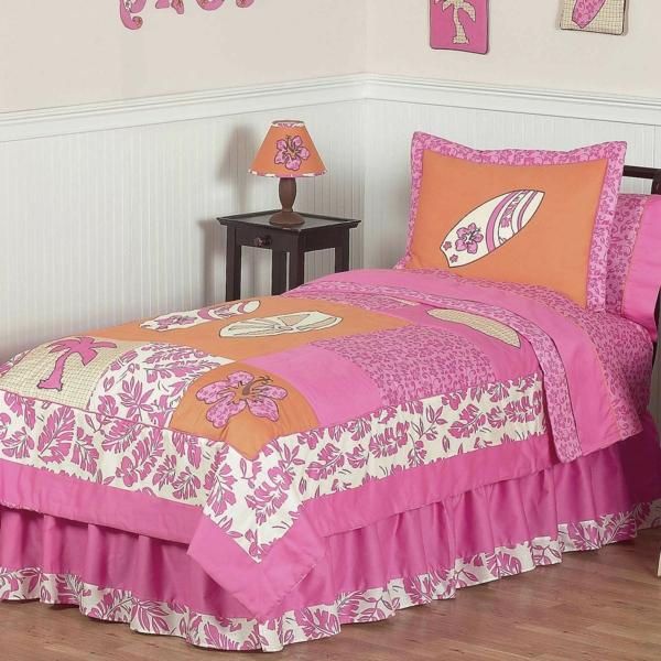 schlafzimmer-inspiration- schlafzimmer-gestalten-schöne-bettwäsche-rosa-orange