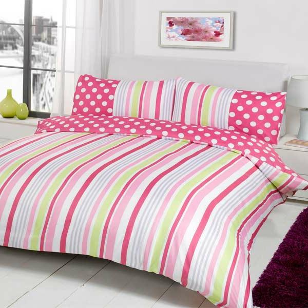 schlafzimmer-inspiration- schlafzimmer-gestalten-schöne-bettwäsche-rosa-weiß