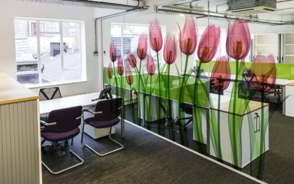 sichtschutz-büro-interessamntes-modell-von-trennwans-tulpen-bemalungen