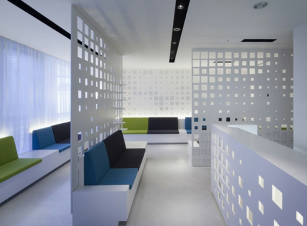 moderne büroeinrichtung google office tropisch