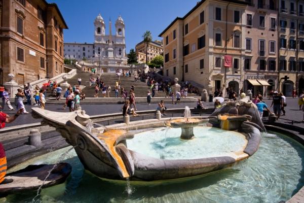 spanische-treppe-herrliche-sehenswürdigkeit-in-italien