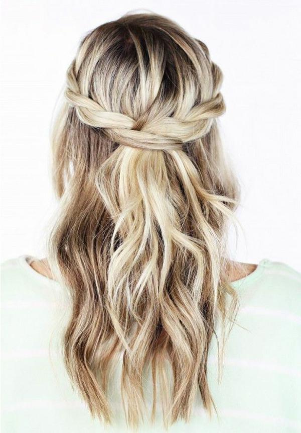 styling-für-lange-haare-blonde-schöne-frisur