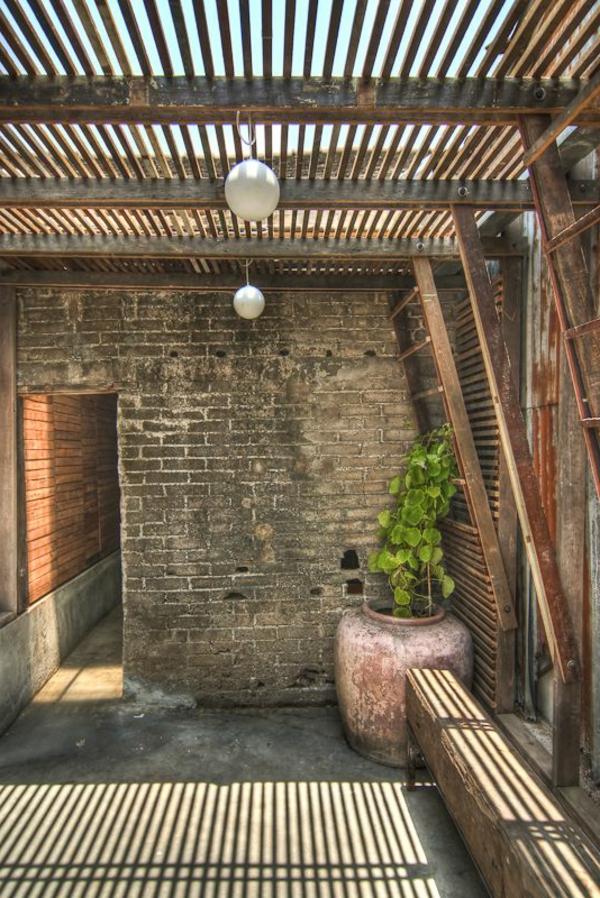 terrassenüberdachung-aus-holz-super-interessante-ausstattung