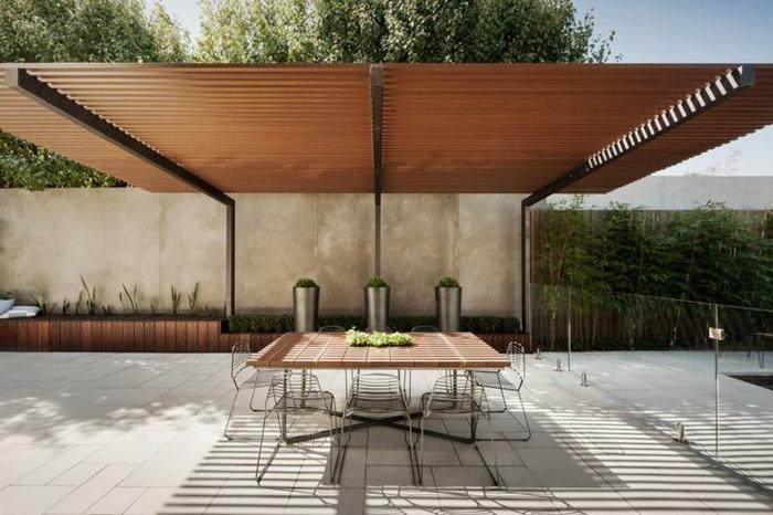 terrassen  überdachung-kleiner-tisch-daruner