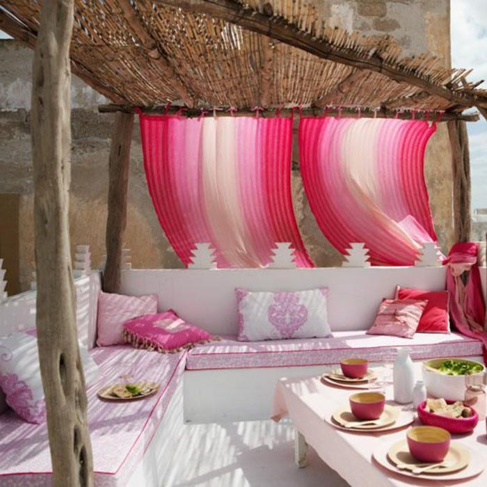 terrassen  überdachung-rosige-gardinen