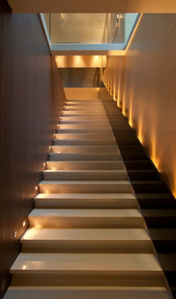 moderne schicke treppen beleuchtung. Black Bedroom Furniture Sets. Home Design Ideas