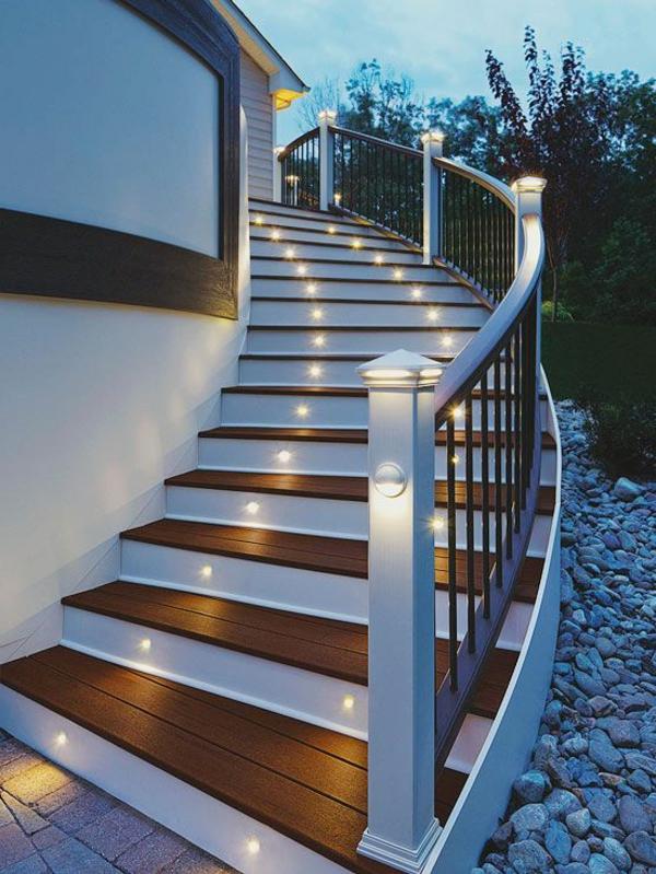 treppen-beleuchtung-interessante-außengestaltung