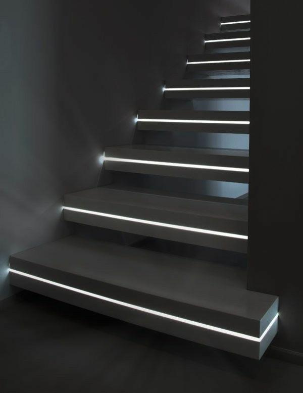 treppen-beleuchtung-schwarze-attraktive-gestaltung
