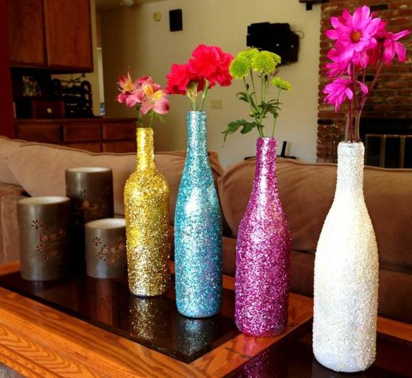 vasen-dekorieren-bunte-schöne-vasen