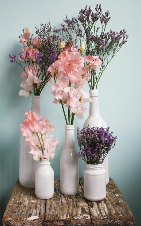 vasen-dekorieren-rosige-coole-blumen