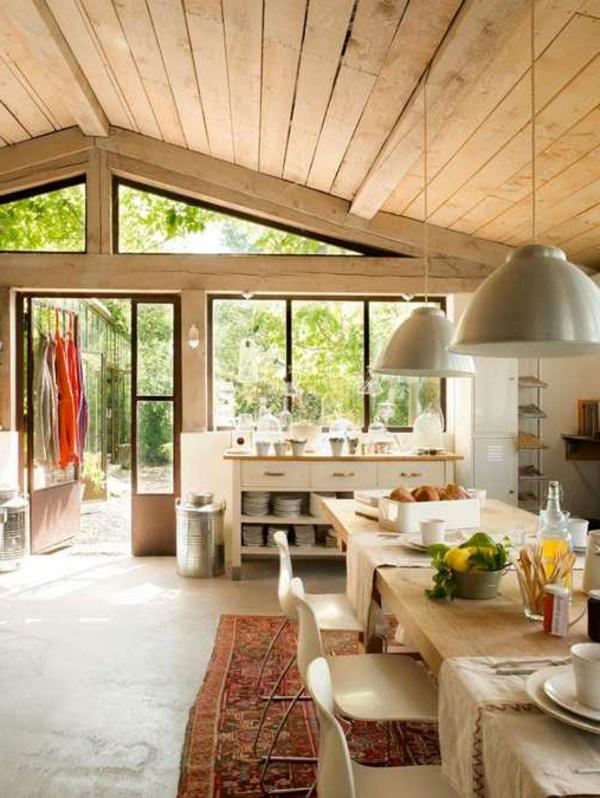 weiße-dekoration-für-landhaus-einmalige-innengestaltung