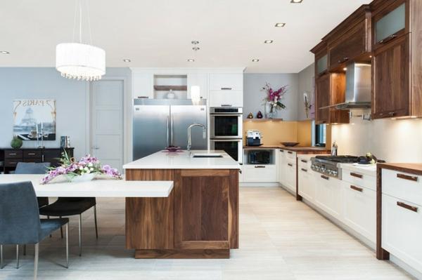 weiße-dekoration-für-landhaus-wunderschöne-küche-sehr-große-gestaltung