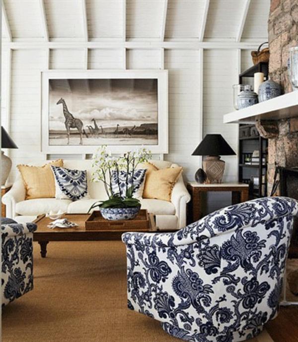 weiße-dekoration-für-landhaus-wunderschöne-sessel