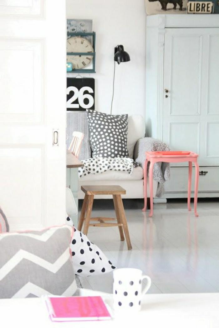 wohnzimmer gestalten rosa:Ziegelwand in der Wohnung integrieren – extravagante Ideen