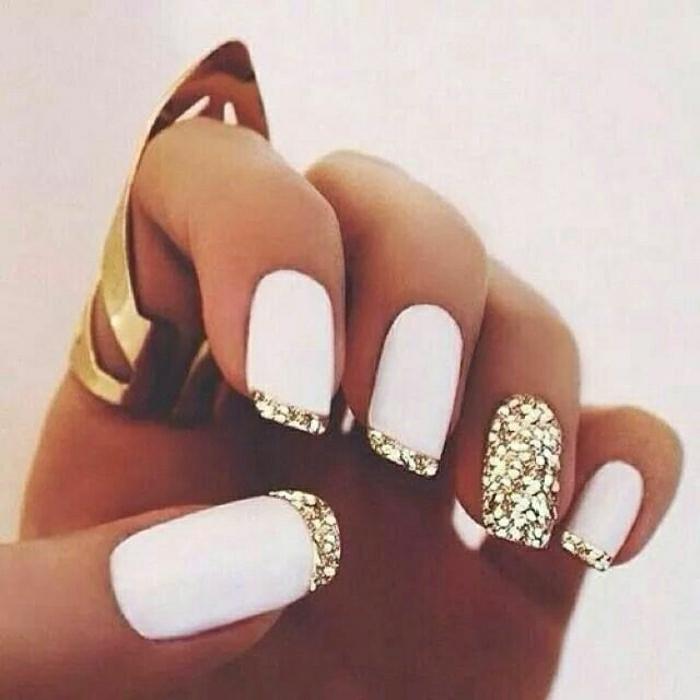 wunderschöne-Gel-Nägel-weiß-goldener-Glanz