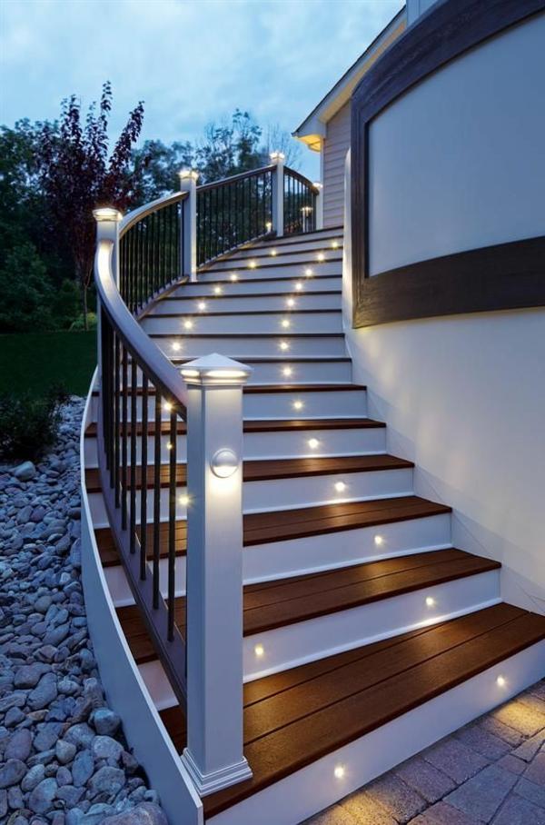 wunderschöne-treppen-beleuchtung-für-draußen