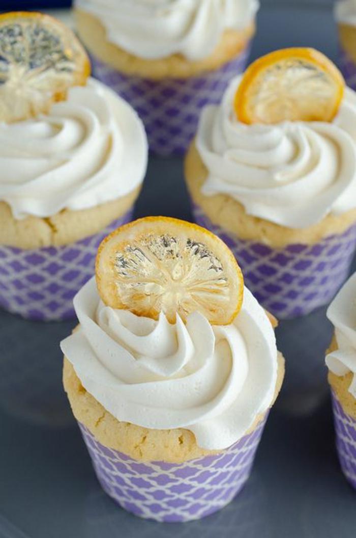 zitronen-deko-leckere-cupcakes