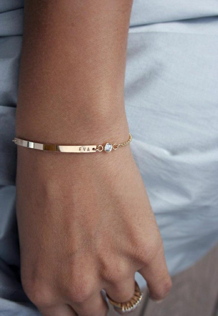 Armband-mit-graviertem-Namen