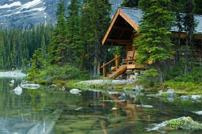 Berghütten-Holz-Schnee-See-Wald