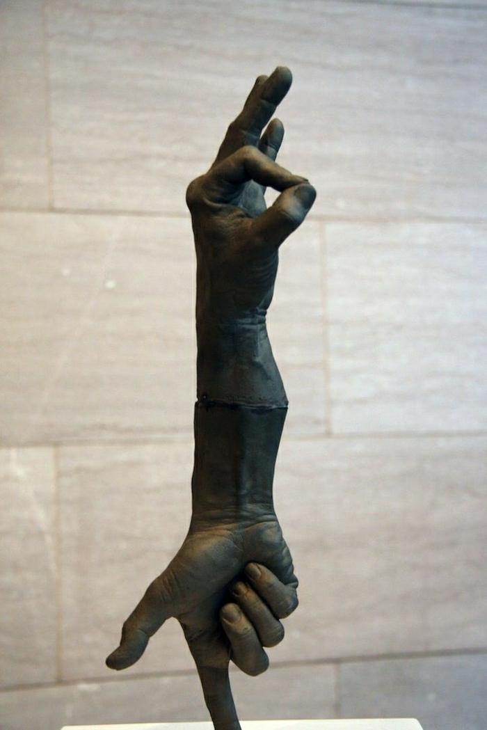 Bronze-Skulptur-Hände-schwarz