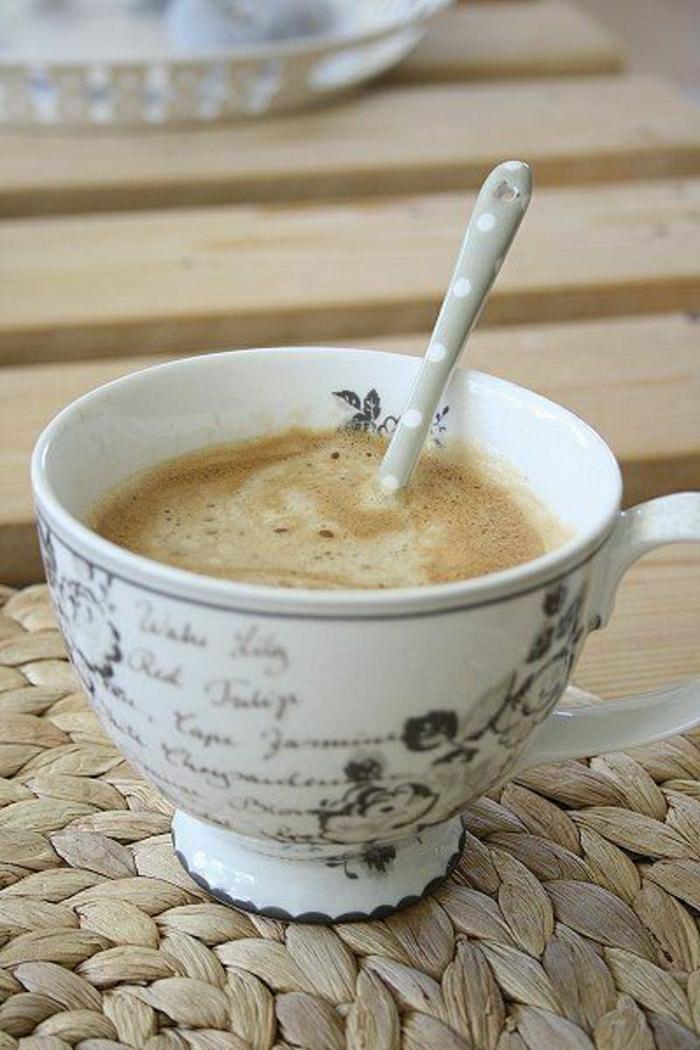 Cappuccino-Tasse-Porzellan-rustik