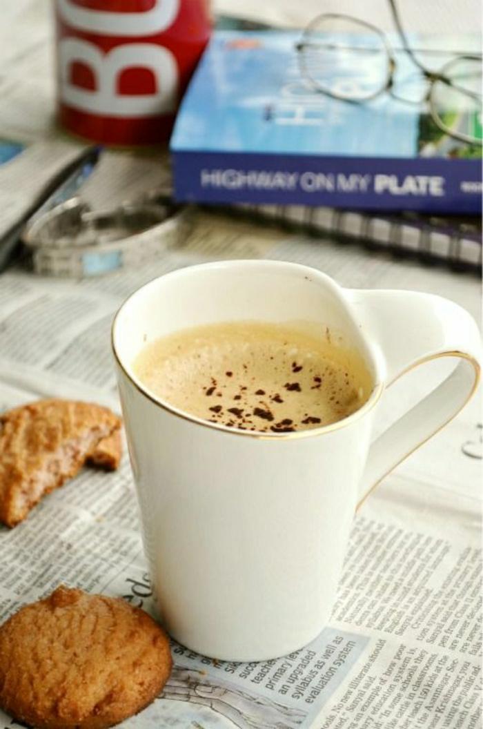 Cappuccino-Tasse-mit-interessantem-Design