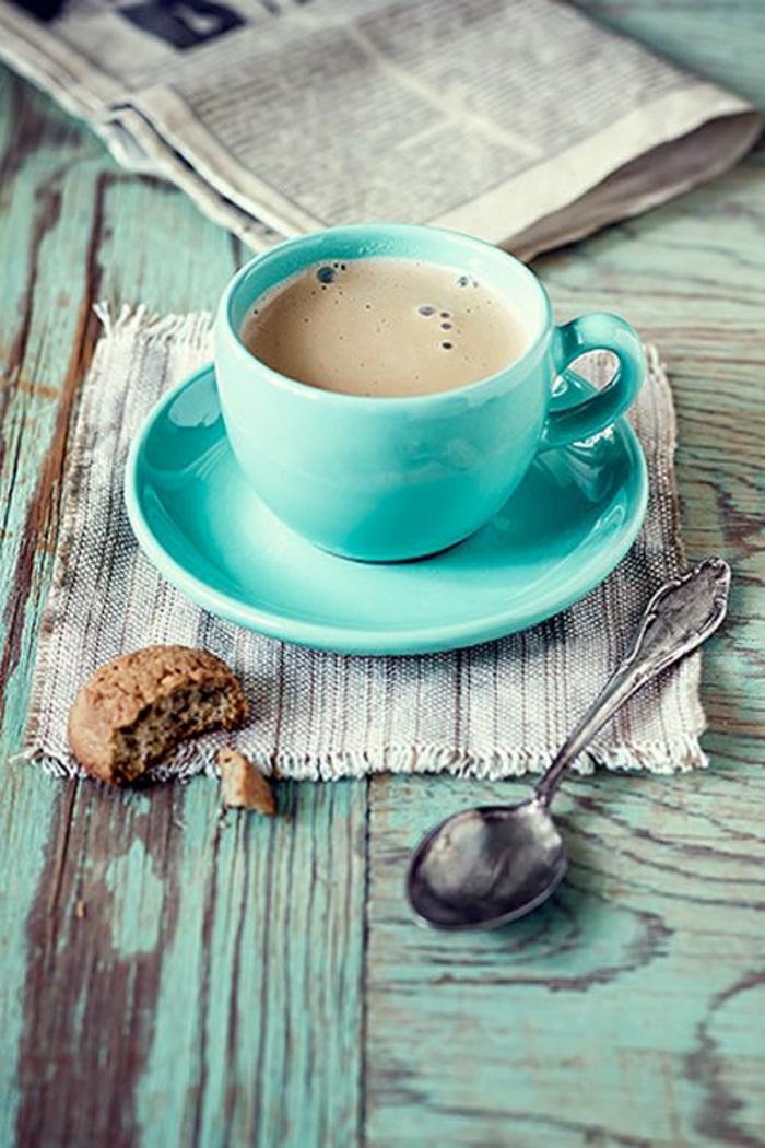 Cappuccino-Tasse-türkisblau