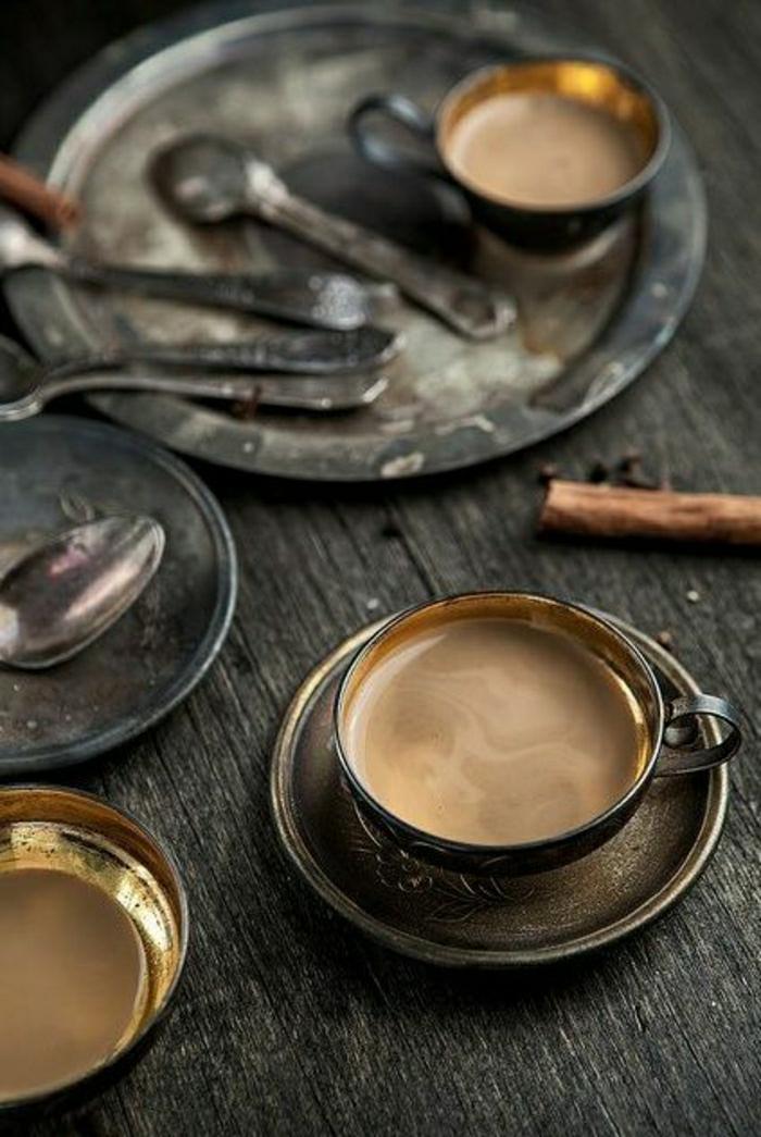 Cappuccino-Tassen-Metall
