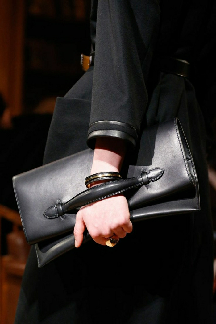 Clutch-Leder-schwarz-Mantel
