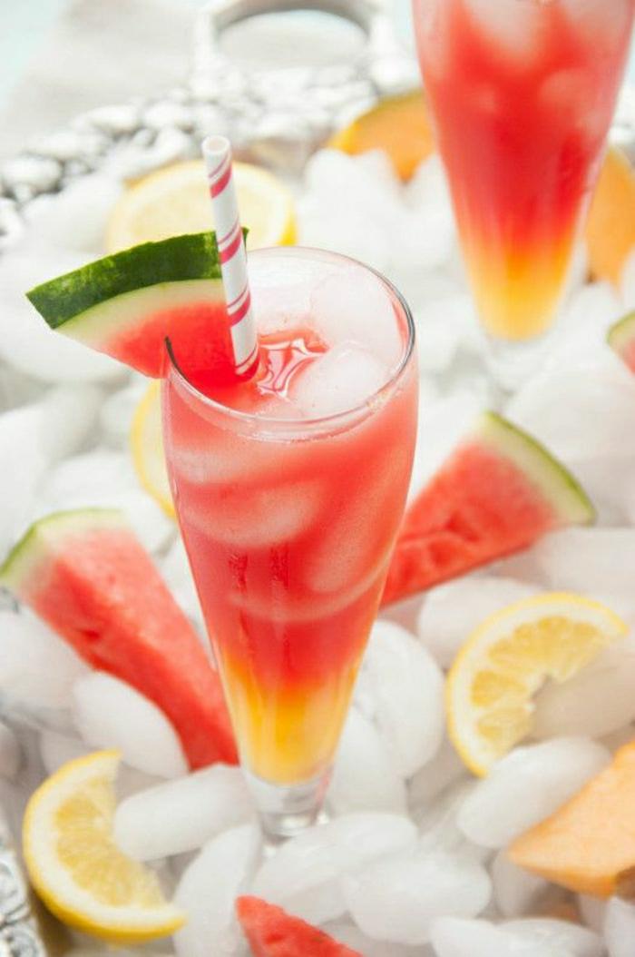 Cocktail-Wassermelone-Cantaloup-Melone-Zitronen