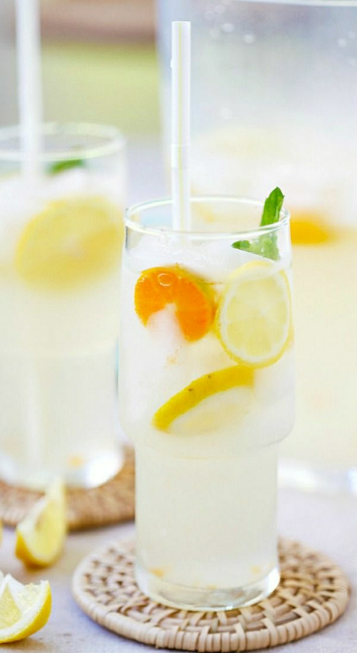 Cocktail-Zitronen-Minze-Kokosnusswasser-alkoholfrei
