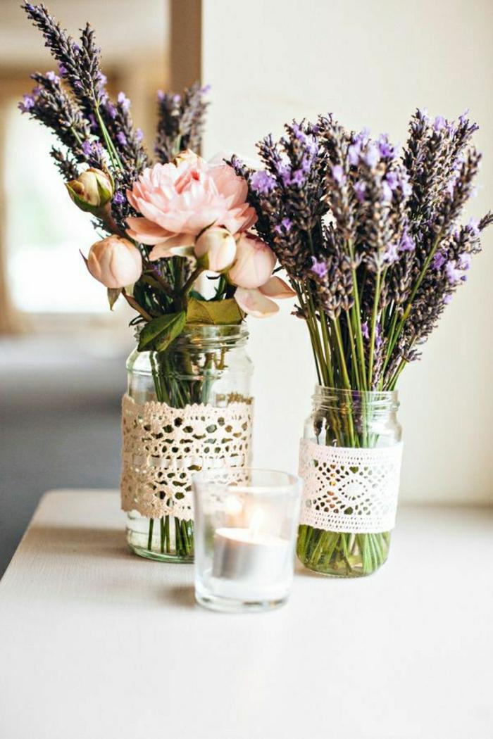 Dekoration-mit-Pfingstrosen-und-Lavendel