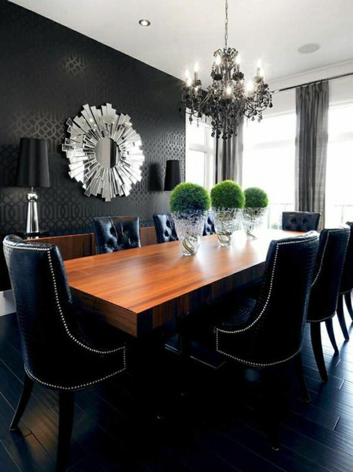 Esszimmer-Barock-Stil-schwarze-Tapete-Ornamente