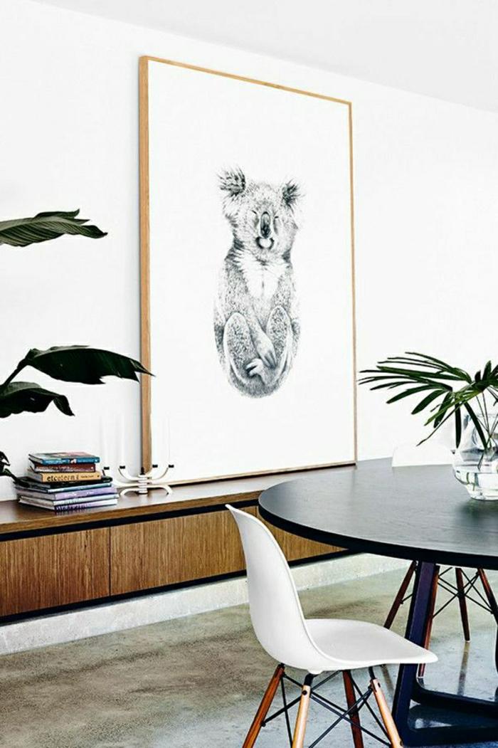 Esszimmer-Esstisch-Stühle-Pflanze-Wandbild-Koala